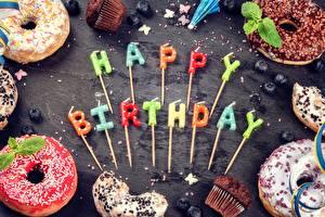 Обои для рабочего стола Пончики День рождения Свечи Английский Слово - Надпись Еда