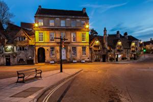 Обои для рабочего стола Англия Вечер Здания Улица Скамья Уличные фонари Wiltshire, Bradford-on-Avon город