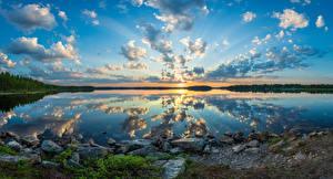 Картинка Финляндия Озеро Камень Леса Пейзаж Небо Облако Отражение Lake Kiantajärvi Природа