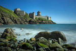 Картинки Франция Побережье Камень Крепость Утес Fort La Latte, Brittany Природа
