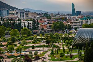 Фотография Грузия Горы Дома Парк Деревья Tbilisi Города
