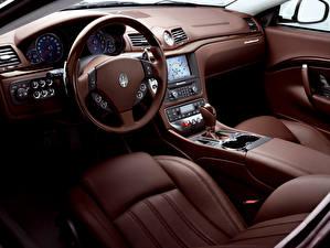 Фотографии Maserati Салоны Автомобильный руль Кожа материал GranTurismo S Automatic, Worldwide, 2009–12 Автомобили