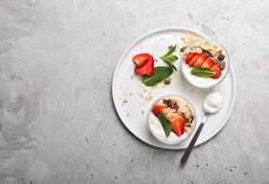 Обои Мюсли Клубника Йогурт Миска Ложки Завтрак Пища