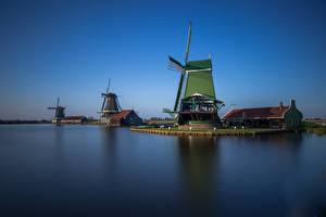 Картинки Нидерланды Небо Мельницы Водный канал Музей Zaanse Schans Природа