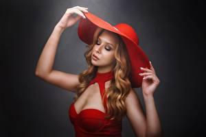 Фотографии Поза Шляпа Рука Платье Макияж Волос Девушки
