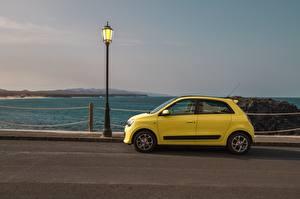 Обои Рено Уличные фонари Сбоку Желтая Twingo Concept, 2019 авто