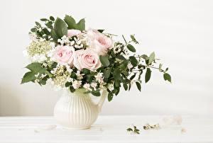 Обои Розы Букет Ветка Ваза Листья цветок