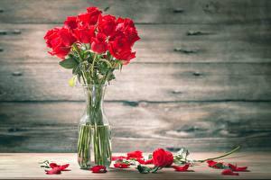Фотография Роза Букеты Столы Лепестков Вазе цветок