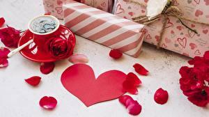 Обои Розы День святого Валентина Кофе Сердце Лепестки Подарки 3D Графика картинки