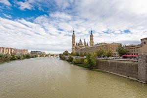 Обои Испания Речка Мосты Церковь Собор Zaragoza, river Ebro, Cathedral-Basilica of Our Lady of the Pillar Города
