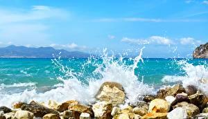 Обои для рабочего стола Камень Море Волны С брызгами Природа