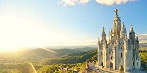 Фотография Рассвет и закат Церковь Испания Лучи света Холмы Барселона mount Tibidabo, Temple of the sacred Heart of Jesus город