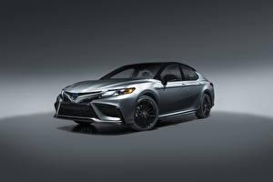 Картинка Toyota Металлик Camry Hybrid XSE, North America, 2020 Автомобили