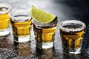 Обои для рабочего стола Алкогольные напитки Лайм Рюмки Солью Продукты питания