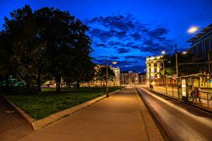 Обои Австрия Вена Дома Дороги Улица В ночи Уличные фонари Города