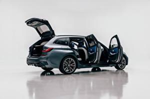 Обои для рабочего стола BMW Универсал Металлик Сбоку Открытая дверь M340i xDrive Touring, Worldwide, G21, 2020 автомобиль
