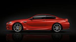 Фотографии BMW Красные Металлик Сбоку Купе M6 Coupe, Competition Package, 2015 машина