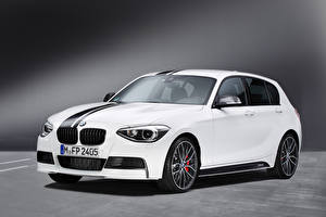 Картинки BMW Белые Металлик 1 Series M Performance Accessories 5-door, 2012–15 машины