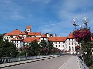 Фотографии Мосты Монастырь Германия Уличные фонари Бавария St. Mang's Abbey, Fussen Города