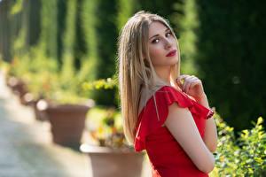 Обои Блондинка Платья Взгляд Боке Chiara молодая женщина