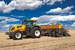 Фотографии Поля Тракторы Облако Valtra BH