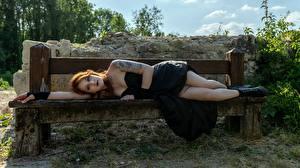 Фотографии Готика Фэнтези Скамья Шатенки Лежит Татуировка Платье Ноги Ботинках молодые женщины