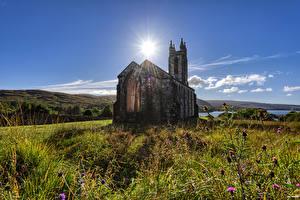 Картинки Ирландия Церковь Старые Каменные Солнце Dunlewey Church, Donegal Природа