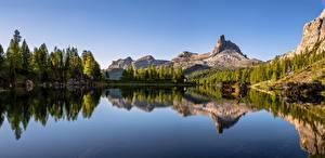 Фотография Италия Гора Озеро Альпы Дерево Отражается Dolomites Природа