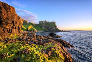 Фотографии Великобритания Море Побережье Камни Замки Развалины Скалы HDRI Antrim, Northern Ireland, Dunluce Castle Природа