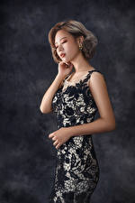 Картинки Азиаты Поза Платья Девушки