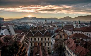 Картинка Австрия Дома Горы Рассвет и закат Graz Города