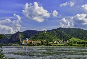 Фотографии Австрия Дома Река Гора Долина Dürnstein
