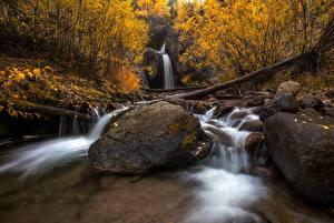 Картинка Осень Камни Водопады Листва