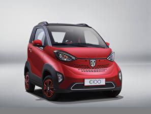 Фотография Baojun Красные Металлик Сером фоне E100, 2017 машина
