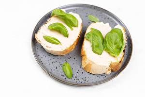 Фотография Бутерброд Хлеб Белым фоном 2 Листья