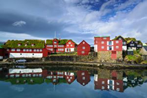 Картинки Дания Дома Облака Отражении Tinganes, Tórshavn, Faroe Islands Города