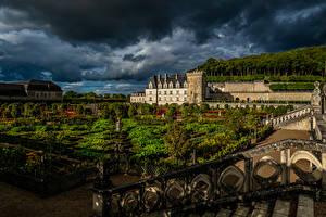 Обои Франция Сады Вечер Ландшафтный дизайн Дворец Газон Забор Chateau Villandry and gardens Природа картинки