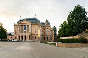 Обои Германия Здания Памятники Уличные фонари Mecklenburg State Theatre