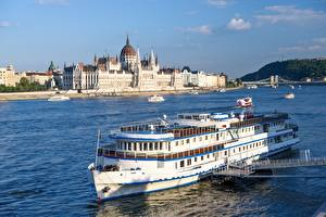 Обои для рабочего стола Венгрия Будапешт Реки Речные суда Мосты Parliament, Danube Города картинки