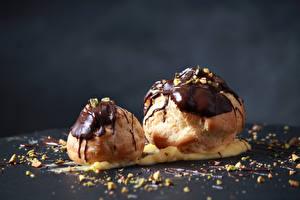 Обои Пирожное Шоколад Сером фоне 2 Еда