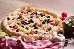 Картинки Грибы Пицца Томаты Оливки Фастфуд Еда
