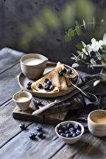 Фотографии Блины Черника Кофе Капучино Молоко Ножик Доски Еда