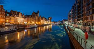 Картинки Польша Речные суда Гданьск Ночь Уличные фонари Водный канал Motława River, Old Town город