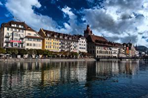 Фото Швейцария Речка Здания Lucerne, Reuss River Города