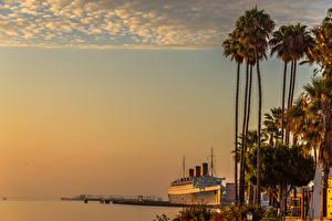 Обои США Рассветы и закаты Берег Пристань Корабль Калифорния Пальмы Queen Mary Long Beach Природа