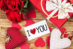 Обои День всех влюблённых Серце Подарок Английский Слова цветок