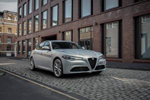 Фотографии Alfa Romeo Серебристый Металлик Giulia Sprint UK-spec, 952, 2020 Автомобили