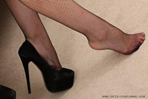 Обои Вблизи Ноги Туфли Колготках Девушки