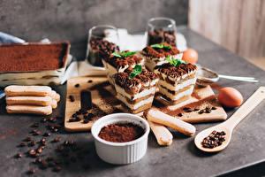 Картинки Кофе Пирожное Десерт Какао порошок Ложка Зерна Tiramisu