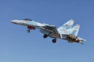 Обои для рабочего стола Истребители Самолеты Су-35 Российские Сбоку Su-35S Авиация